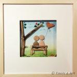 Kieselbild Paar auf Bank mit Aquarell, Treibholz und Meerglas