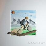 Kieselbild Radfahrer mit Aquarell Treibholz Muschel